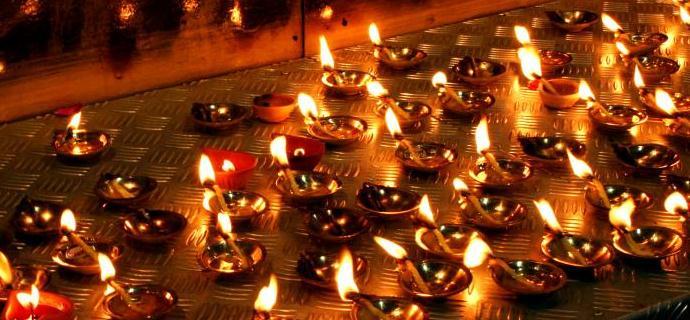 Tham dự lễ hội Deepavali của người Ấn Độ tại Singapore