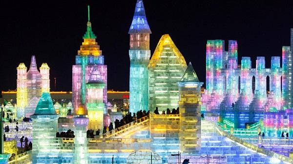 Nhộn nhịp lễ hội băng đăng tại Cáp Nhĩ Tân