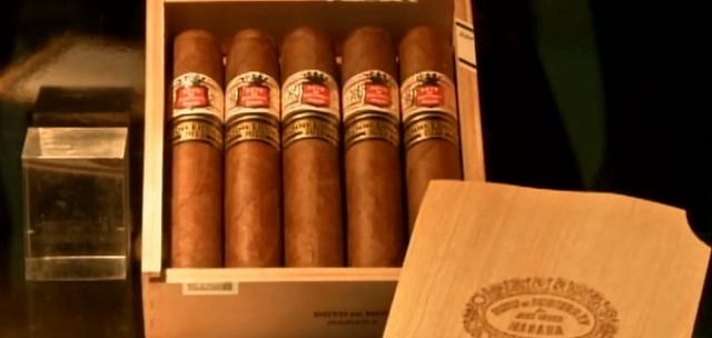 Những hộp xì gà được mang đấu giá