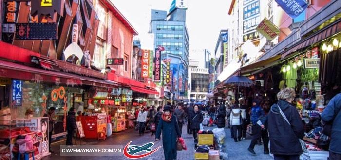 Mua sắm ở hai khu chợ nổi tiếng ở Seoul