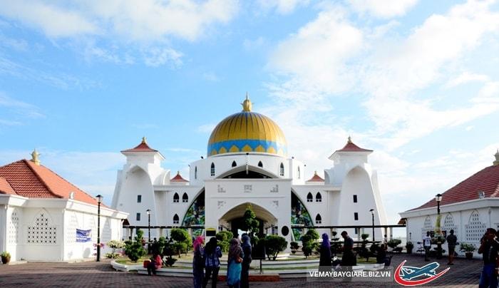 Ghé thăm Malacca Straits