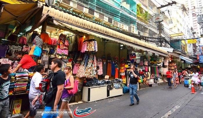Những khu chợ mua sắm nổi tiếng ở Bangkok