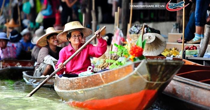 Khám phá chợ nổi trên sông ở Bangkok
