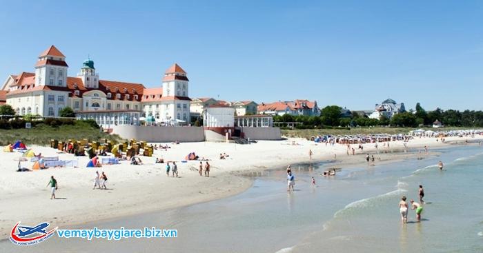 Bãi biển Binz