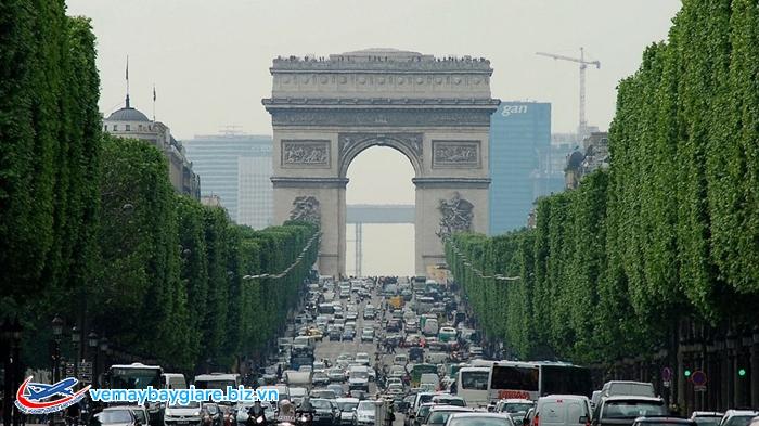 Khải Hoàn Môn là điểm cuối cùng của đại lộ Champs - Elysees