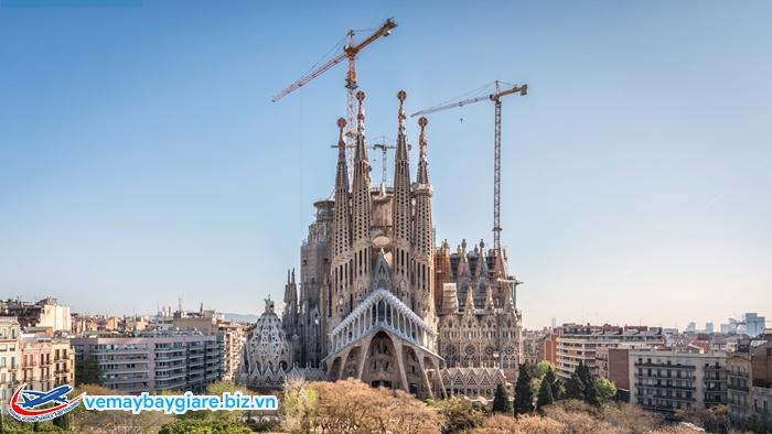 Vương cung thánh đường Sagrada Familia.