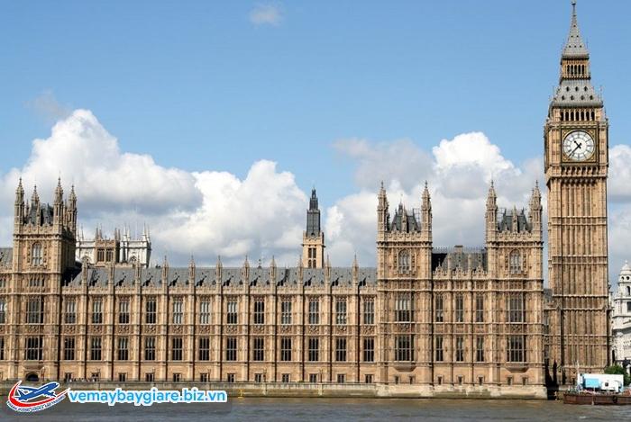 Tháp đồng hồ 200 năm tuổi - Big Ben