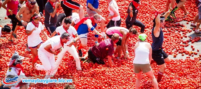 Lễ hội ném cà chua - lễ hội ném hoa quả lớn nhất Châu Âu