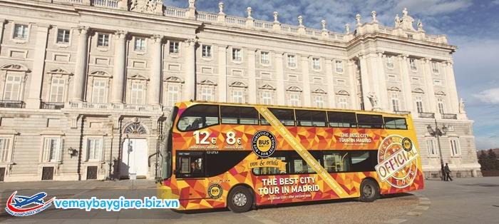 Bus 2 tầng là nét đặc trưng ở Madrid và Châu Âu
