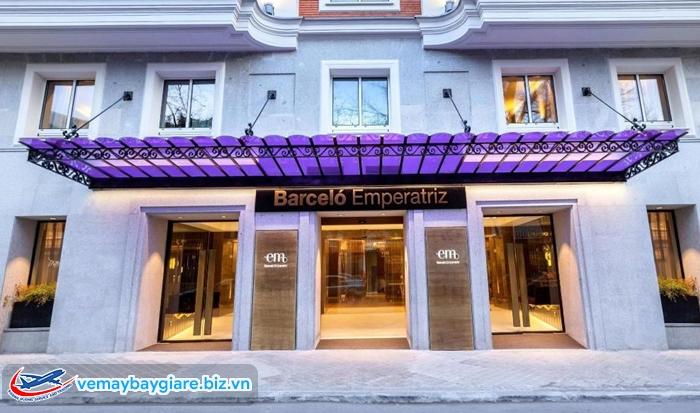 Barcelo Emperatriz - một trong những khách sạn tốt nhất ở khu Barrio Salamanca