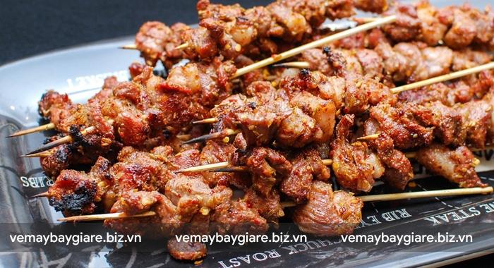 Thịt xiên nướng - món phải thử ở Tân Cương