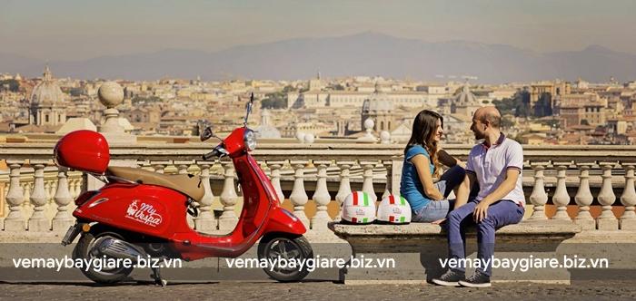Thuê Vespa cổ là trải nghiệm thú vị ở Rome